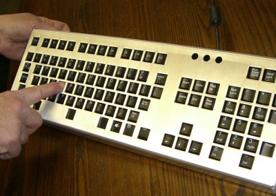 Keyboard cover with hand rest