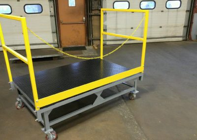 Welded Steel Movable Work Platform w/Safety Chain